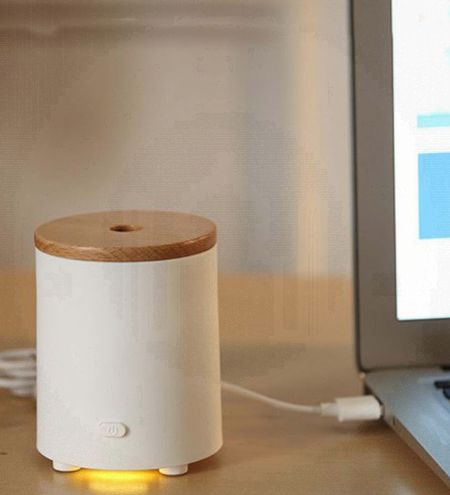 Car & Room Fan Aroma Diffuser With Wooden Lid