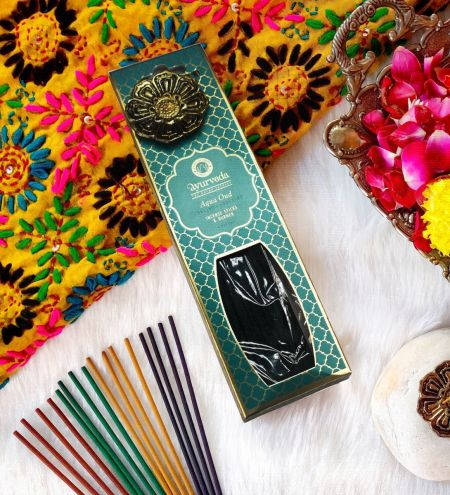 Aqua Oud Luxurious Veda Incense Sticks with Holder