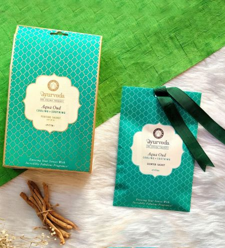 Aqua Oud  Potpourri Perfume Hanging Sachet (Set of 4)