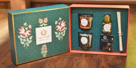Sea Green Little Pleasures Gift Box with 2 pcs of 60 g Candles, 30 ml. Reed Diffuser and Message Card