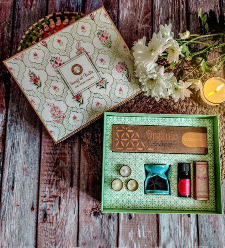 White Meditation / Pooja Organic Goodness Gift Box - Incense Cones, Burner, T Lights & Aroma